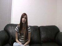 Девушка 18-ти лет разделась перед мужиком