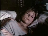 Девушки ночуют в одной постели