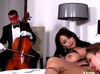 Любительницы классической музыки и нетрадиционного секса